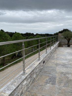 Garde corps avec lisse en inox près de Arles